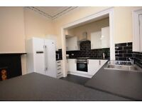 STUDENTS 17/18: Spacious top floor 6 bed flat opposite the Meadows available August NO FEES!