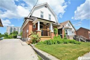 Great opportunity in Downtown Barrie with C2 zoning!