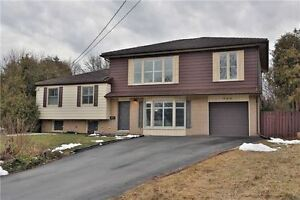 ☎☎ 4 Lvl Sidesplit Home w/ Hrdwd Flrs in West Oakville ☎☎