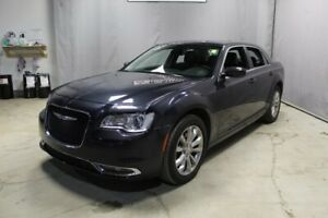 2018 Chrysler 300 AWD TOURING Leather,  Heated Seats,  Sunroof,
