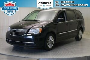 2015 Chrysler Town & Country Touring **New Arrival**