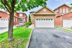 Great Location Detached 2-Storey / Sep Ent ****