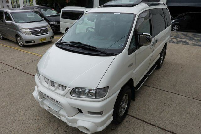 9b0167a17c 2005 Mitsubishi Delica HR Crystal roof Exceed White 4 Speed Automatic Wagon