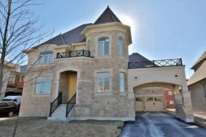 STUNNING DETACHED 5203 SQF HOME !