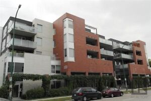LOVELY ONE BRM + DEN CONDO IN OSBORNE VILLAGE