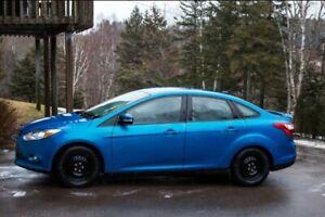2013 Ford Focus SE Sedan Blue Car Vehicle Clean