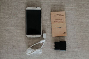 White Samsung Galaxy S4 - 16GB - Rogers / Fido - BOXED - 8.5/10