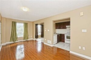Beautiful Town House 3 Bedroom Two Washrooms