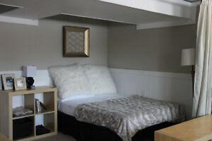 BRIGHT Basement Apartment in Convenient North Location