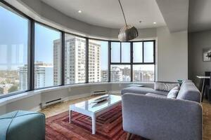 2 months FREE! Luxurious Penthouse -Great views - Plateau!