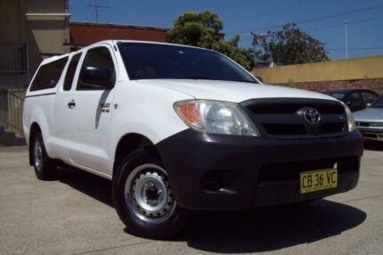 2005 Toyota Hilux GGN15R SR White 5 Speed Automatic X Cab Pickup Windsor Hawkesbury Area Preview