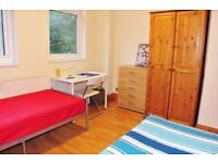 Ensuite twin/double room with 2 beds and own shower :)