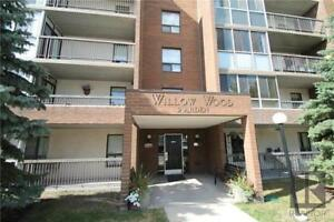 Beautiful 1 BD 1 BATH condo for sale in St. Vital/Pulberry area!