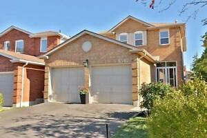 Gorgeous 4-Bed, 3-Bath Detached Home In Erin Mills. View Today!