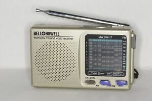 Vintage Bell & Howell Short Wave Radio 9 Band World Receiver NEW