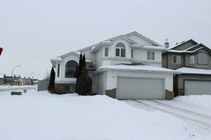 Home for Sale in Edmonton,  (5bd 3ba)