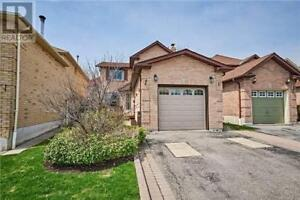Rent full detached house in central Ajax, 3 bedrooms, 3bathrooms
