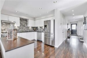 Home For Sale In Orangeville! Stunning End-Unit Modern Town!