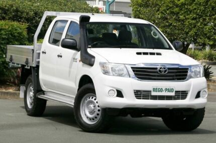 2015 Toyota Hilux KUN26R MY14 SR Double Cab White 5 Speed Automatic Cab Chassis