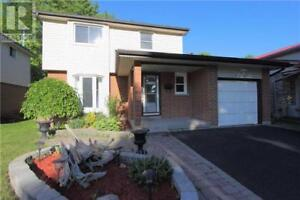 102 MUIR CRES Whitby, Ontario