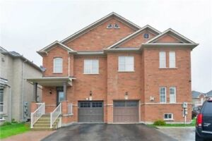 Fabulous Semi-Detached Home Located At Arco Circ