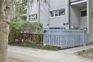 3 Bdrm G/F Stacked Townhouse In Applewood