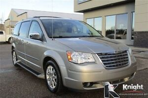 2009 Chrysler Town & Country Touring Heated Seats DVD Touchscrn