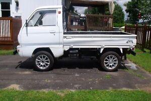 1991 Suzuki Autre gris Fourgonnette, fourgon