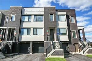 STUNNING 3 BED 3 BATH HOME IN VAUGHAN