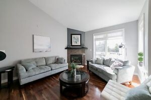 **OPEN HOUSE**WALKOUT BUNGALOW**PARK VIEW**IN FLOOR HEATING**