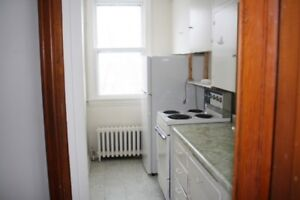 Downtown One Bedroom. Great Location!