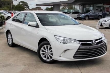 2016 Toyota Camry White Sports Automatic Sedan
