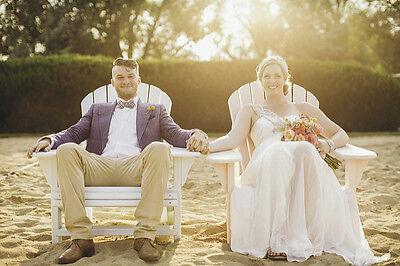 Der Bräutigam beweist mit den richtigen Accessoires besonderen Stil. (Fotos: Ryan Polei |CC BY-SA)