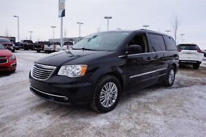 2015 Chrysler Town & Country LEATHER TOURING Accident Free,  Lea