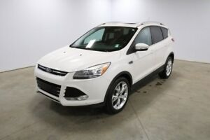 2016 Ford Escape 4WD TITANIUM Accident Free,  Leather,  Back-up