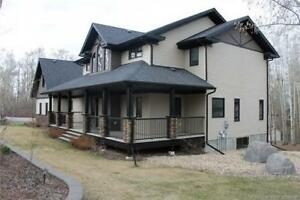 Over 5000sqft w/ stunning kitchen-vaulted ceilings-landscaped