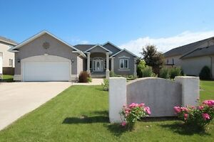 Custom Built Bungalow in Lorette