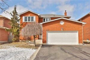 Oakville 4+2 Bdrm entire house for rent with walkup bsmt