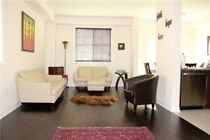 Beautiful End Unit Freehold Townhouse