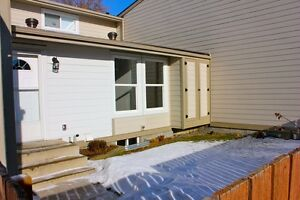 Renovated bungalow style townhouse only 176K