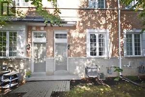 Townhouse, 3Br, 3B, 23 OBSERVATORY LANE, Steps To Parks, Library