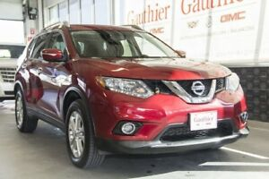 2014 Nissan Rogue SV AWD, Sunroof, Rear Camera, Bluetooth