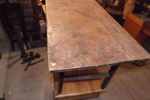 Petite table antique