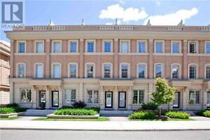 Gorgeous Upgraded Townhouse, 3+1 Br, 3 Wr, 29 HARGRAVE Lane