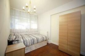 5 bedrooms in Brondesbury road 16, NW66QH, London, United Kingdom