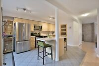 Beautiful Townhome Steps From Clarkson Go Station!