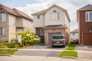 4 Bedroom Detached house with Walkout Basement for Sale