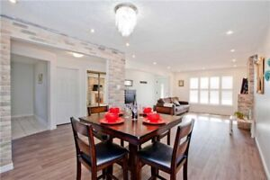 CONTEMPORARY VAUGHAN HOUSE FOR SALE   3 BEDROOMS 2 WASHROOMS