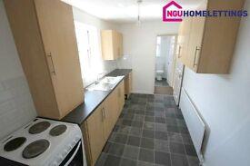3 bedroom flat in Brinkburn Avenue, Bensham, Gateshead, NE8