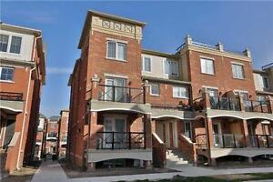 2 Bdrm Stacked Townhouse In The Heart Of Uptown Oakville
